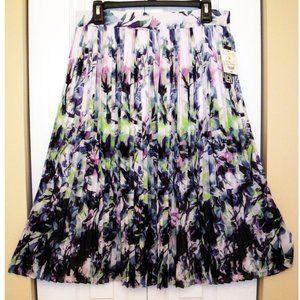 Liz Claiborne Floral Broomstick Skirt, Size Medium
